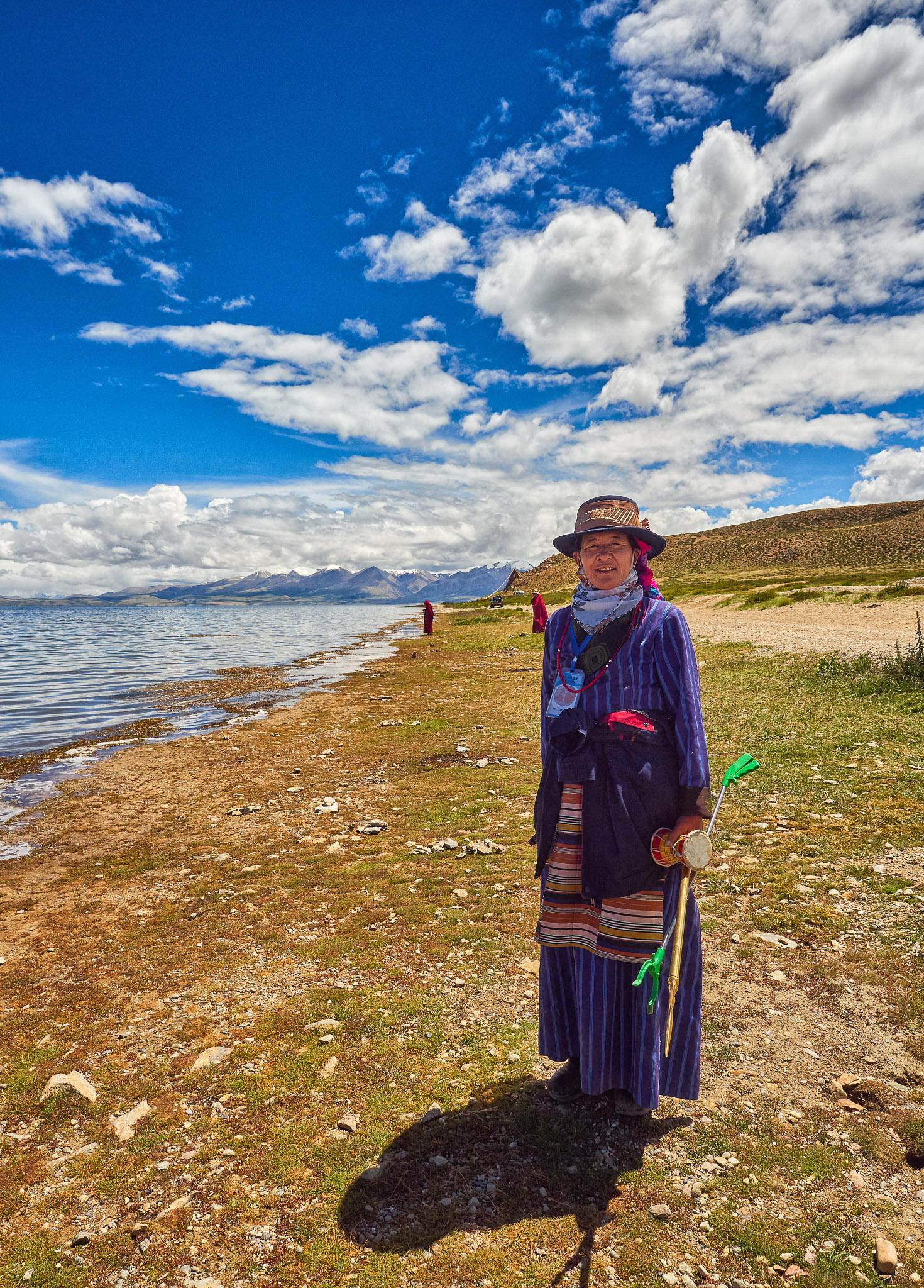 A Tibetan woman at the Lake Manasarovar, Himalayas, Tibet